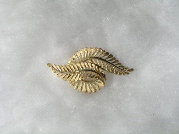 Trifari Florentine Pin Leaf Gold Metal