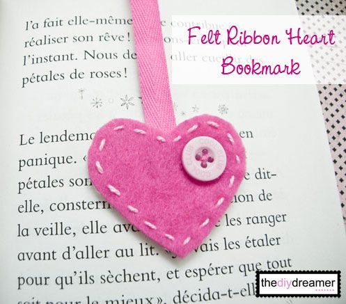 Bookmark { Felt Heart } – How to make a bookmark