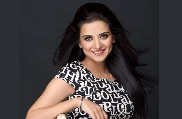 Kulraj Randhawa is an Indian film actress who has appeared in many Punjabi and Bollywood films.  Net Worth: The Net worth of Kulraj is currently unknown. Income Source:  The main source of Kulraj's income come from acting. She is a brilliant actress. Kulraj has also appeared in many commercials, which adds on to her source of income. Real name: Kulraj Kaur Randhawa Date of Birth: 16 May 1983 Age:33 Years Height/Weight:  Kulraj is Five Feet and Seven inches tall. She weighs 54Kgs. Kulraj ...