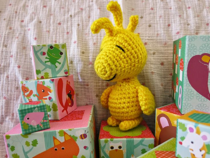 Amigurumi Woodstock Pattern : Chtite Geekette: Im a little Woodstock, short and stout ...