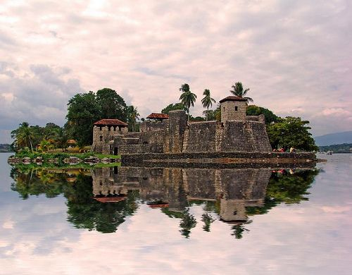 #Guatemala, Castillo de San Felipe.  www.cooperativeforeducation.org