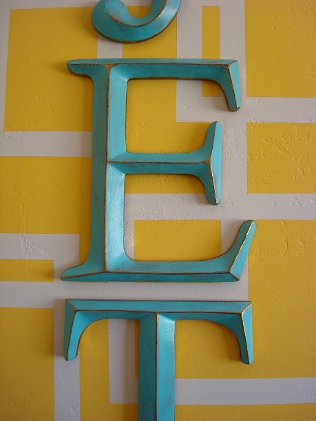 love those hobby lobby gold letters painted