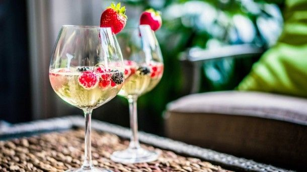 5 Prosecco Cocktails Recipe To Add Sparkle To Your Summer Evenings   #cocktail #recipe