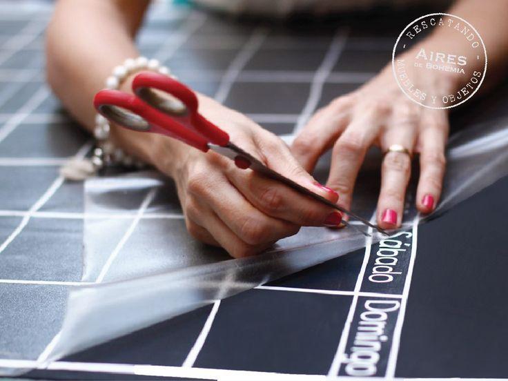 DIY Calendario perpetuo + Pizarra magnética • Aires de Bohemia