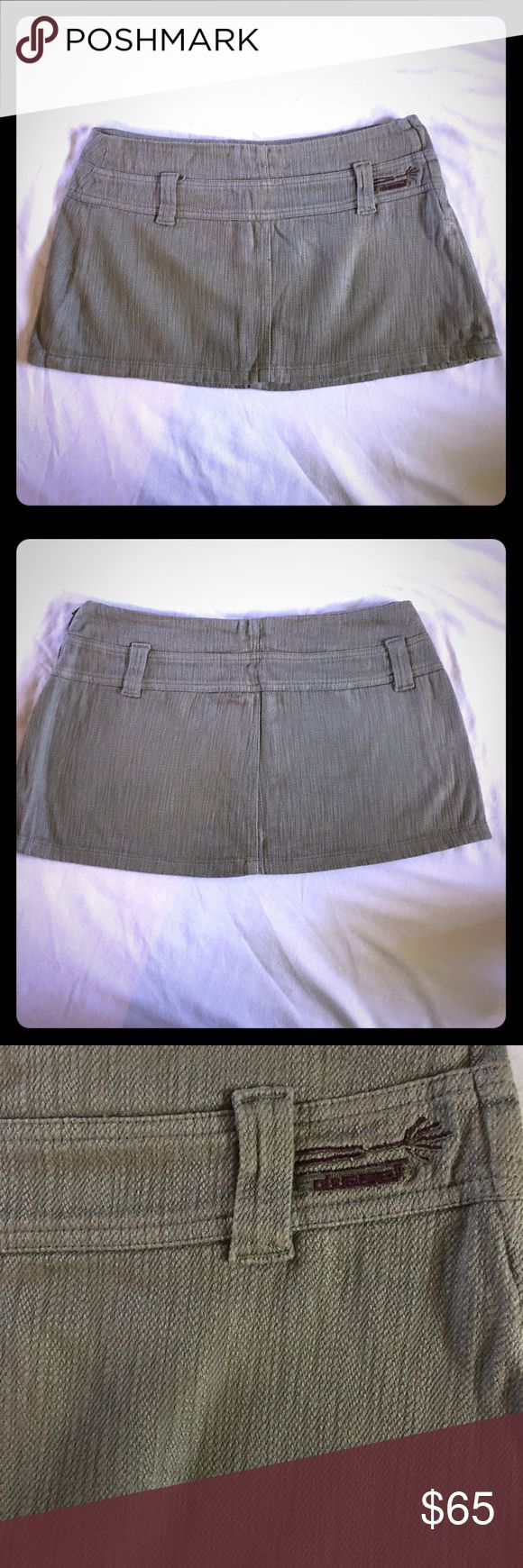 """🌺SUMMER SALE🌺 Diesel macro mini skirt Awesome vintage Diesel macro mini skirt. Waist is approx. 15.5-16"""" and length is 11""""!! This is a size 30, very soft earthy tone and super cute over leggings! Diesel Skirts Mini"""