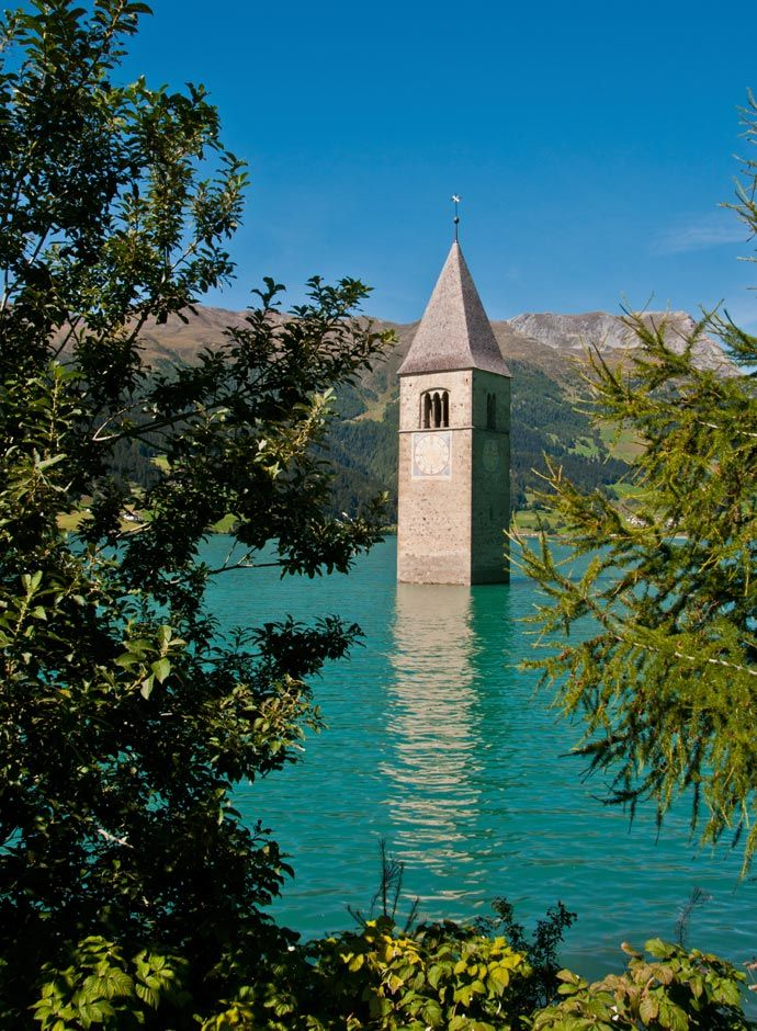 <p><strong>Campanile di Curon, Lake Reschen – South Tyrol - Other 10 weird places to visit in Italy</strong></p>
