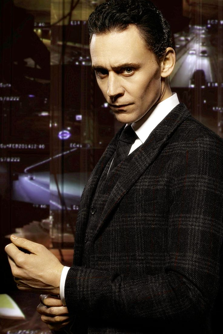 Tom Hiddleston for Jaguar [UHQ] (4000x2708) *DEAD* Man when he gives us something it's always so worth the wait <3
