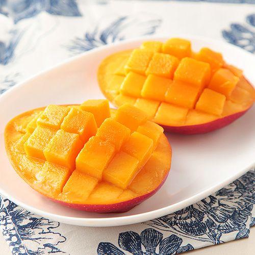 宮崎県の太陽を浴びて育った完熟マンゴーです。品の良い甘さでギフトにおすすめです。