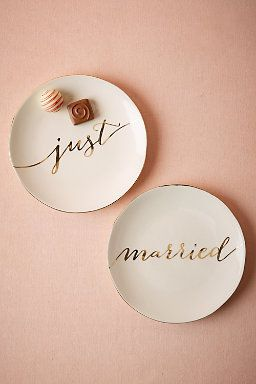 Just Married Dessert Plates (2) perfect for our reception! #BHLDNwishes