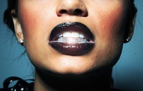Silver grillz + black lipstick