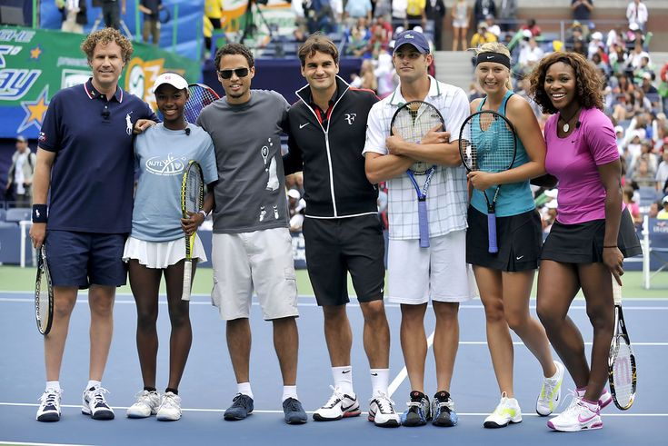 Serena Williams and Maria Sharapova Photo - 2009 Arthur Ashe Kids Day