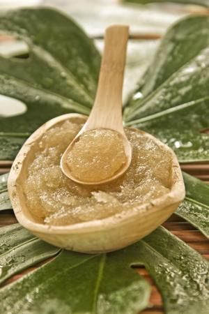 Sugar facial scrub  I have to try this! 1/2 cup honey  1/2 cup brown sugar 1 tbs coconut oil
