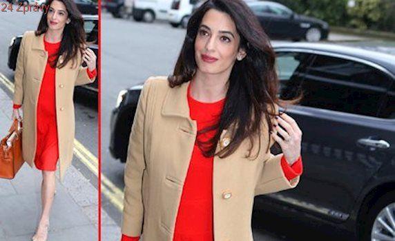 Styl podle celebrit: Těhotná Amal v elegantním modelu. Inspirujte se!