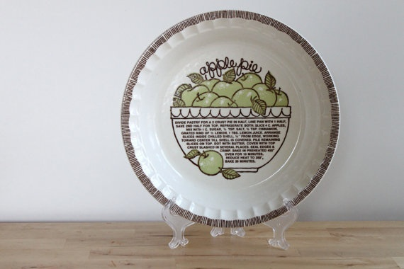 Retro Apple Pie Plate  All American Pie Series by KitchenCulinaria, $14.00
