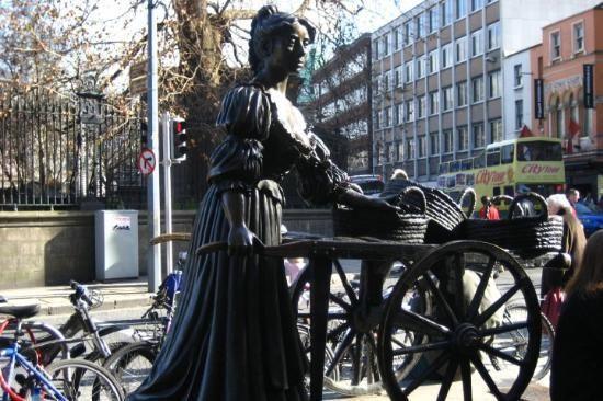 Dublin, Molly Malone statue on Grafton St.- Thursday activity 4/5
