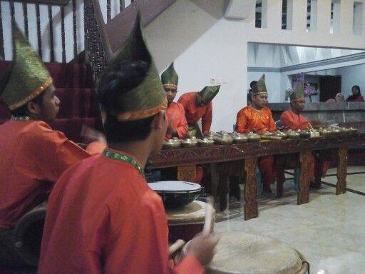 Crew music dari seni minangkabau sumatera barat