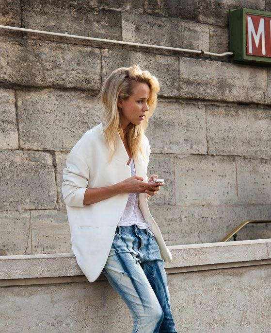 oversized blazer, white tee, slouchy jeans