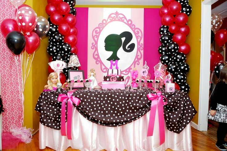 Barbie in Paris party decor | globos | Pinterest