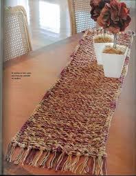 camino de mesa en telar