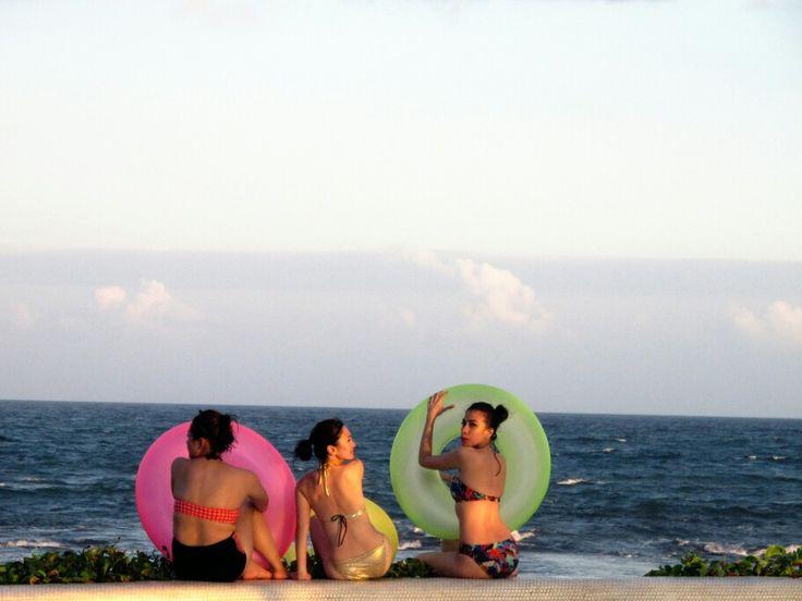 komune beach