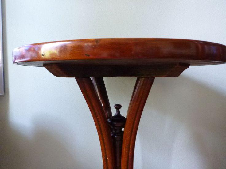 Original Thonet   Art Deco Tisch  Beistelltisch  Wien  SCHELLLACK