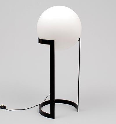 Botterweg Auctions Amsterdam > Large floor lamp, white glass globe on black painted metal base, designer & execution unknown, ca.1975