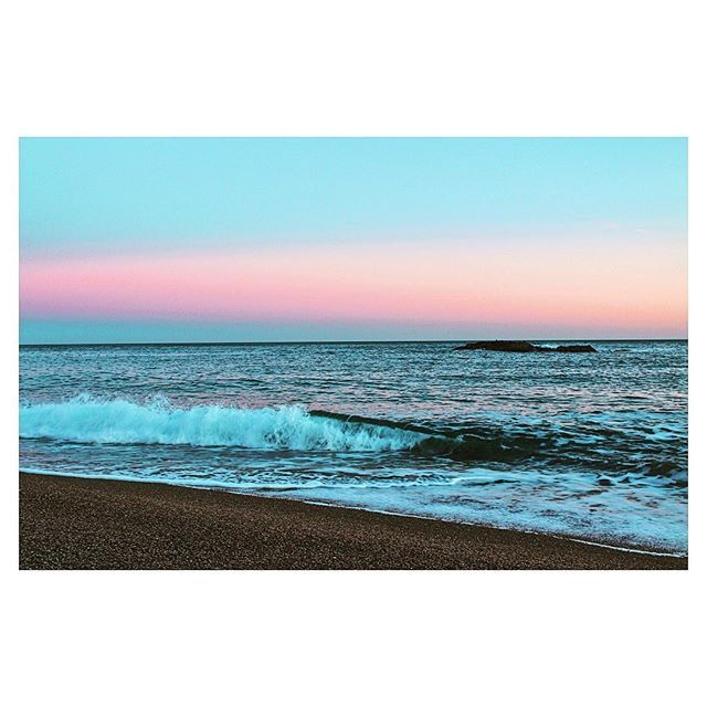 Sunset in Dorset. This beach is incredibly beautiful.Can't wait to visit it again. #uk #dorset #beach #sea #sunset #sky #colour #nature #travel #explore #places_wow #amazing #beautiful #happy #live #life #enjoy #style #me #love #landscape #instadaily #instagood #follow4follow #followyourdreams #photo #photography #photooftheday #view #goodnight