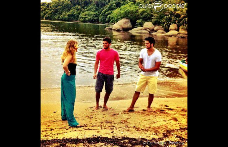 Bruno Gissoni postou foto com o irmão Rodrigo Simas participando das gravações do 'Estrelas de Verão' com Angélica em janeiro de 2013