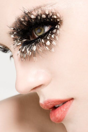spotted #eyelashes | stip #wimpers