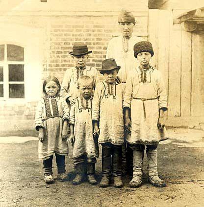 Группа детей и подростков. Марийцы. Фотоархив РЭМ