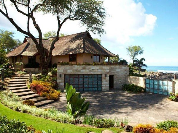 Best 25 bali house ideas on pinterest tropical triangle house and tropical houses for Bali style homes designs australia