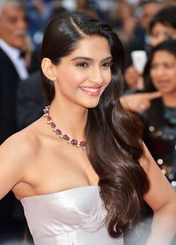 Sonam Kapoor gorgeous wavy hair