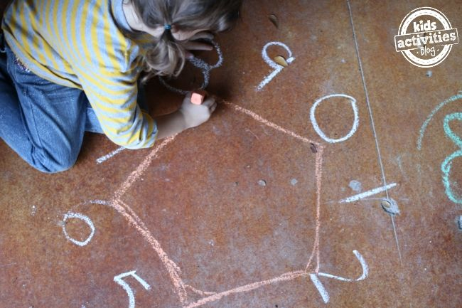 Skip Counting Activity for Kids - make shapes by drawing lines as you count - Kids Activities Blog