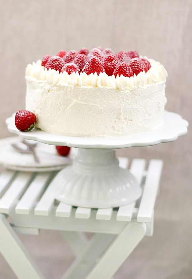 strawberry cake - a Swedish recipe - translate original using Google translate. Note the recipe is not very clear but it seems to be a layered trifle with chiffon and lemon curd - sounds as well as looks yummy.