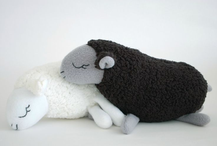 These are adorable - especially for a knitter :)    Baa Baa Black Sheep | Sew Mama Sew |