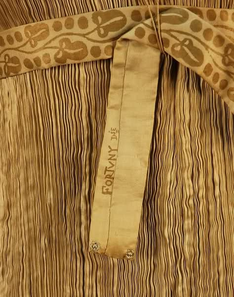 Mariano Fortuny dress detail