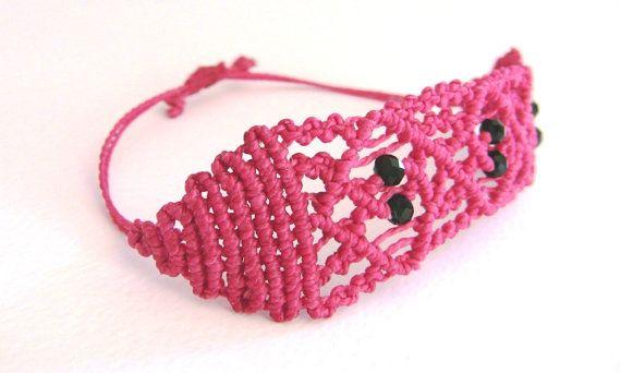 Everyday bracelet, fiesta bracelet, handcrafted made in italy, red bracelet adjustable closure, #morenamacrame, gift for her, gift for sister, etsy gifts, etsy handmade.  Ho... #etsymntt