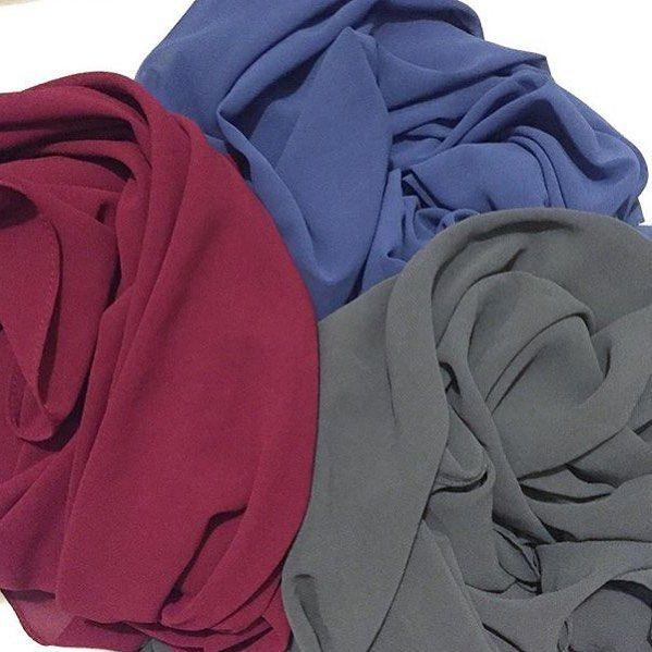 Yeni renklerle şifon şallarımız #hijab #queenmer #chiffonshawl Detaylı bilgi için Dm den ulaşabilirsiniz.