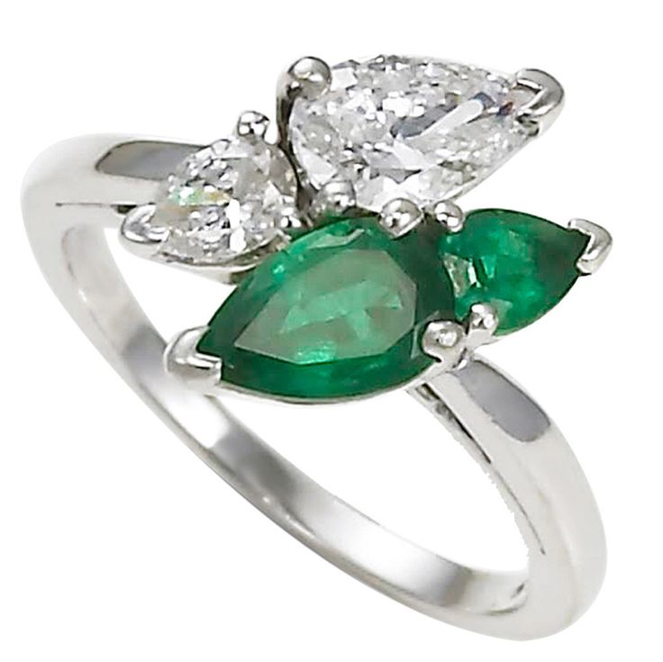 321796335852238641 on oscar heyman emerald ring