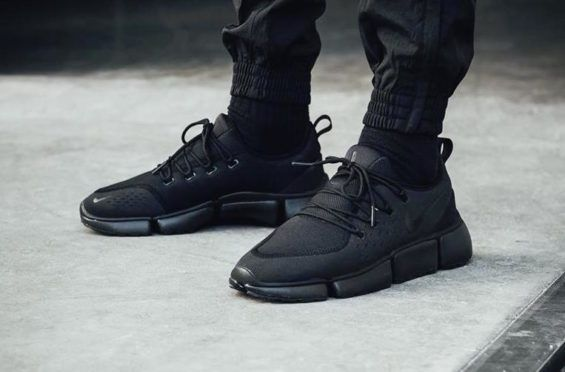 cheaper 6cf70 5f326 Triple Black Coats The Nike Pocket Fly DM • KicksOnFire.com