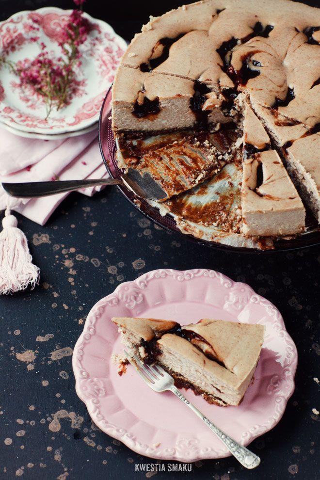 Plum swirl cinnamon cheesecake