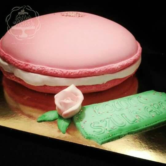 Macaron cake #szifurtortak