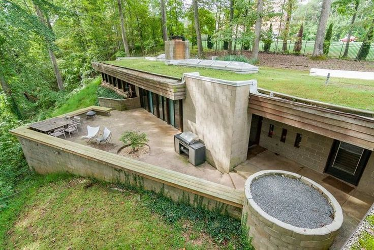 Modernist Bunker Homes - This Mid-Century Modern Home Was Built by Donald Reed Chandler (GALLERY)