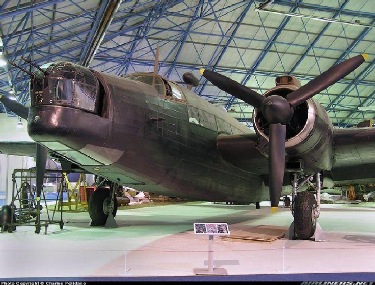 Vickers Wellington Bomber-UK