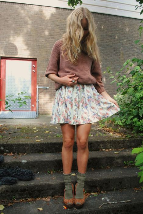 .: Inspiration Outfits, Autumn Outfits, Floral Skirts, Cute Outfits, Fall Looks, Fall Outfits, Fashion Style Outfits, Spring Outfits, Socks And Heels