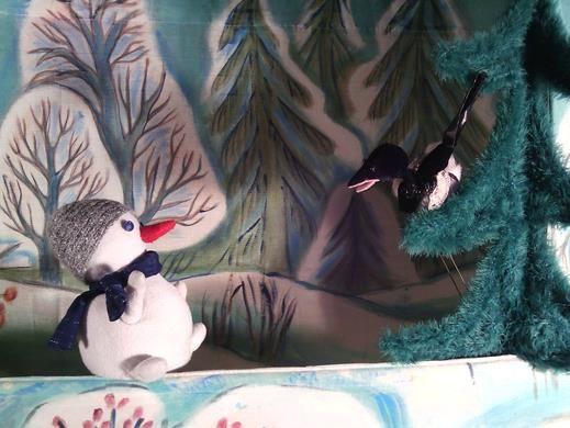 Московский Театр кукол Синяя Птица — Приключения снеговичка «Сказка — ложь…».  Люди всегда придумывали себе что-то сказочное. Чтобы жить веселее и праздничнее. Чтобы не скучно было. Чтобы — поучать и учиться. Чтобы показать себя и других в новом свете.