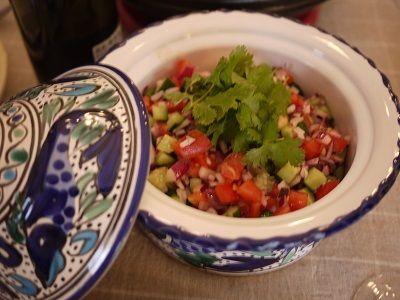 モロッコサラダ|トマト大1個 キュウリ1本 レッドアーリー小1/2個 クミン少々 ブラックペッパー少々 塩小さじ1/4 レモン汁1/4個分 オリーブオイル適量 コリアンダー(香菜)適宜