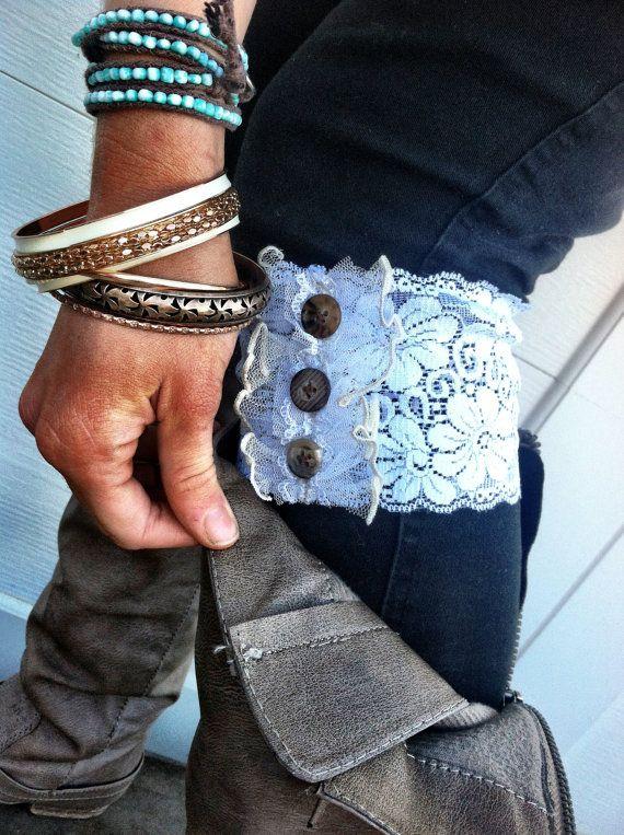 Lace Boot manchettes, jambières Faux ou Boot Toppers avec dentelle, garnitures et boutons pour les femmes et les adolescents en blanc BC-21