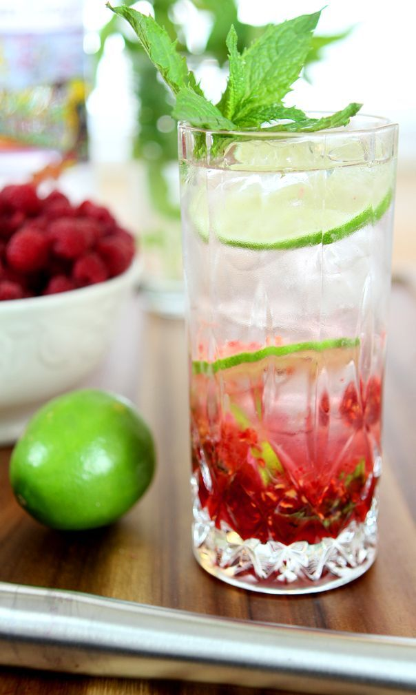 Raspberry Vodka Mojito from @creativculinary