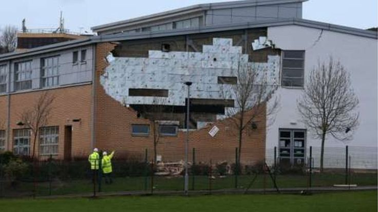 MSPs: Public sector 'must learn from Oxgangs wall collapse' - BBC News